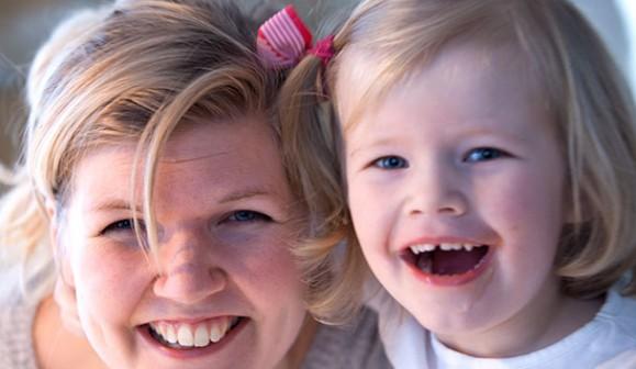 Amanda Eriksson 32 och dottern Greta 3,5. Övriga familjemedlemmar är pappa jimmy Boode 33 och lillebror Walter som är 9 månader.